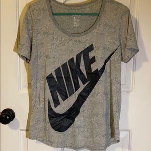 Women's Nike Short Sleeve Tee
